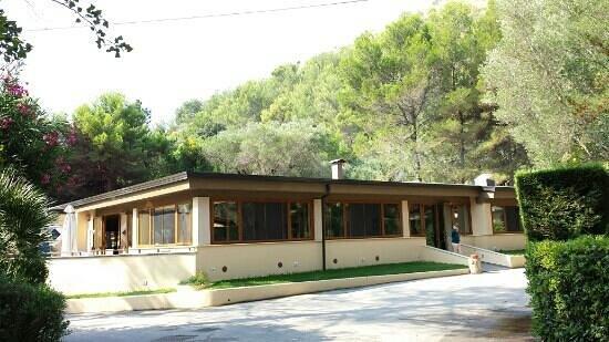 Arco Naturale Club: il ristoranti del villaggio