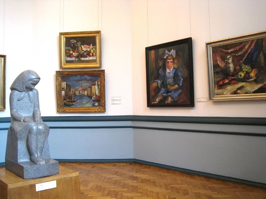 Latvian National Museum Of Art: Room of Latvian painting and sculpture of the 1930s