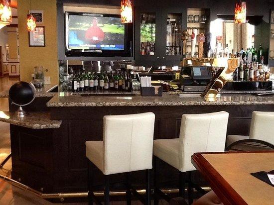 Hilton Richmond Downtown: Thirst & Fifth GastroPub Bar