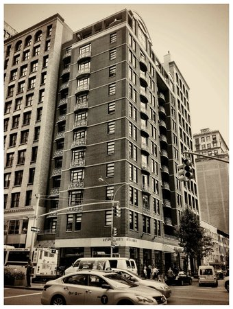 Hotel Giraffe by Library Hotel Collection : Street view