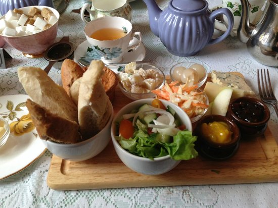 Francis Tea Rooms : Ploughman's platter (this is for one person!)