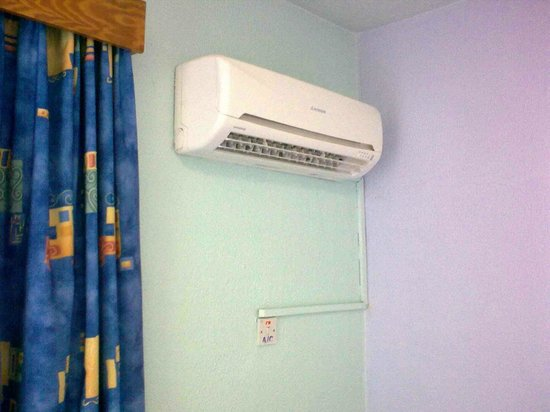 Le Village Hotel: Very quiet and efficient airconditioning.