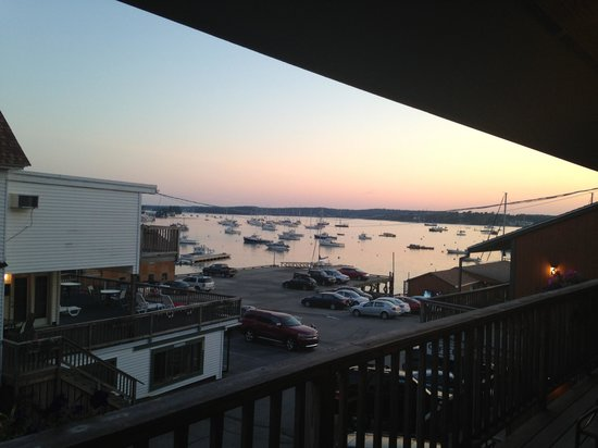Cap'n Fish's Waterfront Inn: Great view!!