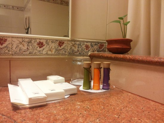 Abad Atrium Hotel : Amenities