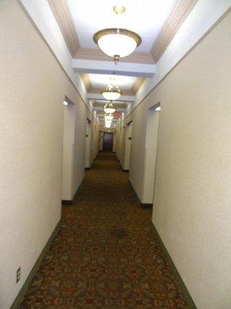 Drury Inn & Suites San Antonio Riverwalk: Hallway to our room