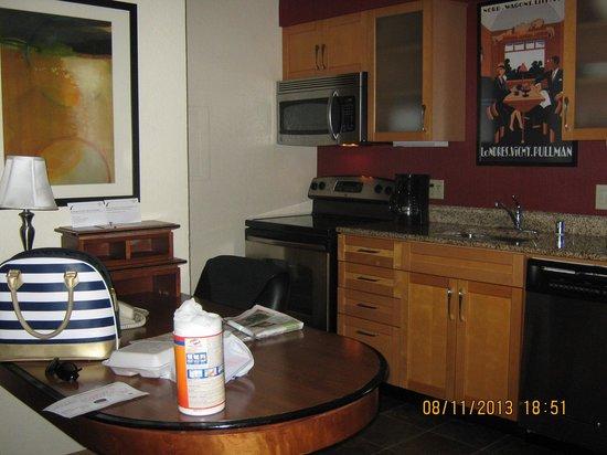 Residence Inn Pasadena Arcadia : Kitchen
