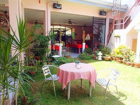 Tropical Sun Inn : Garden View Restaurant