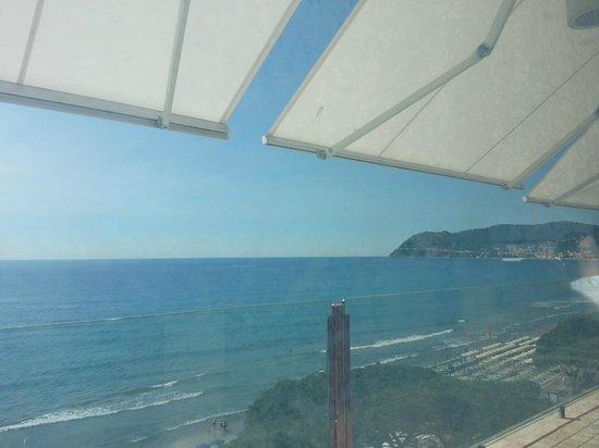 Grand Hotel Spiaggia: Vista panoramica dalla sala ristorante