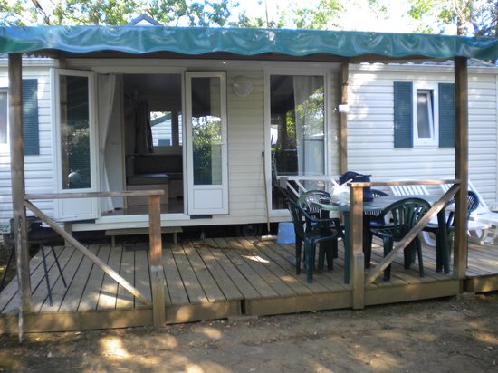 Camping La Palombiere : mobil home