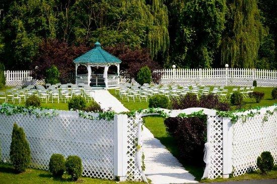 Ulster Park, NY: ceremony set up