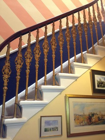 Cluaran Guest House: staircase
