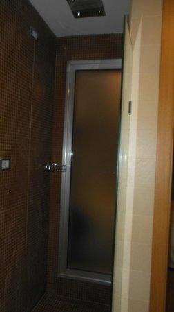 Hotel Royal Caserta: doccia