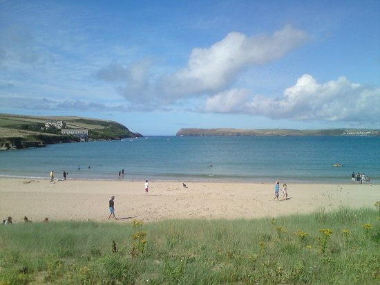 Tregirls Beach : At high tide, mid Aug on a sunny sunny day, hardly anyone on beach