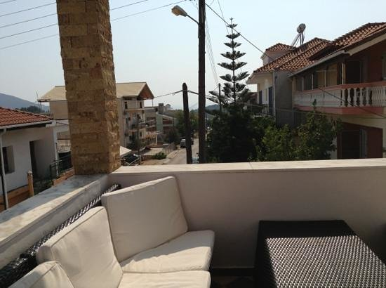 Seleykos Palace: by the pool