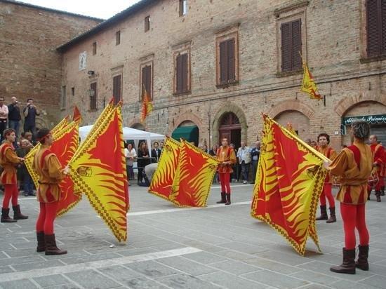 Il Porrina: palio of Casole