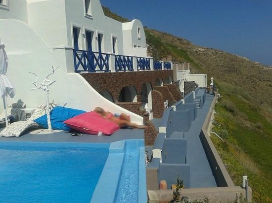 Astarte Suites: Exterior Hotel zona de piscina y habitaciones