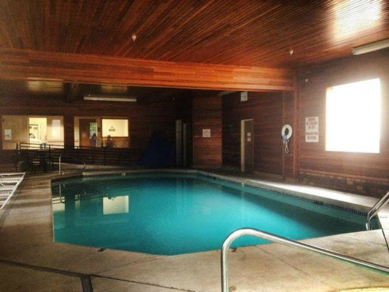 Comfort Suites: Warm pool just calling your name