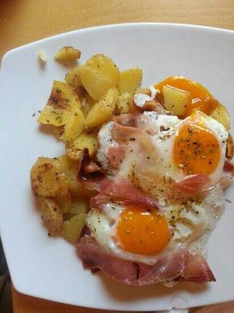 Baita Pramulin: uova patate e spek