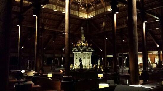 Ayodya Resort Bali: the lobby