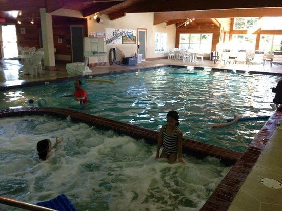 Bridgeport Resort: indoor pool