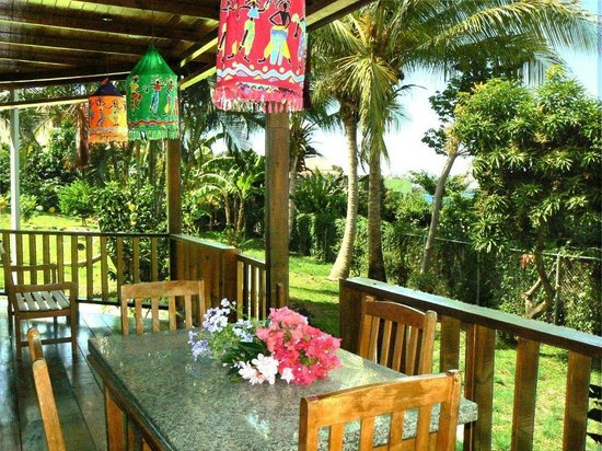 Caribbean Cottage Club: View of lush grounds