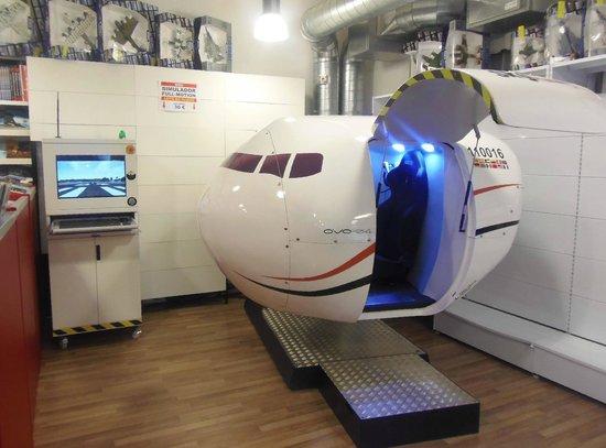 Simuteca: OVO-04 Full-Motion Flight Simulator