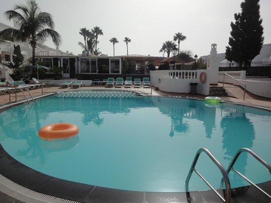Montana Club: piscina
