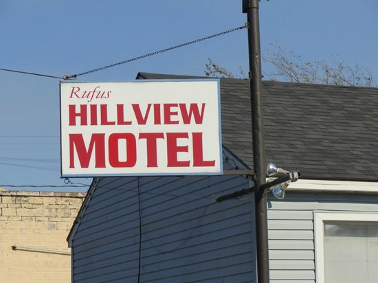 Rufus Hillview Motel : Hillview Motel - Rufus, Oregon sign