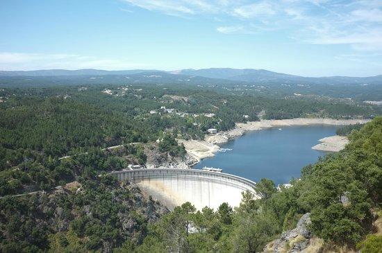 Hotel da Montanha: Vista da piscina