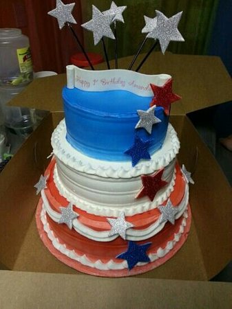 Brilliant 4Th Of July Birthday Cake Picture Of Frostys Ice Cream Club And Funny Birthday Cards Online Kookostrdamsfinfo