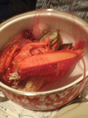 Cappy's Chowder House : lobster pot.