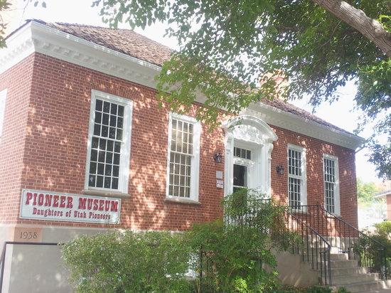 Daughters of Utah Pioneer Museum: Pioneer Museum, St. George Utah