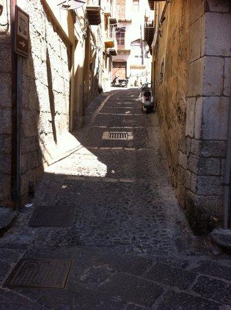 """Campofelice di Roccella, Italie : Cefalù """"la belle""""��"""