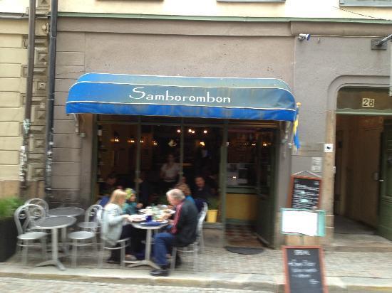 Restaurang Samborombon: Front sidewalk view