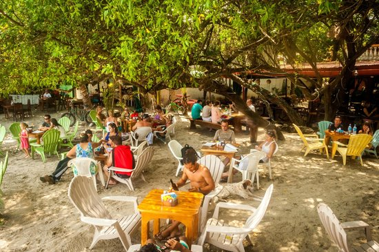La Vela Latina : beachfront seating!