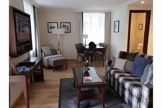 Hotel Mont Cervin Palace: Living room