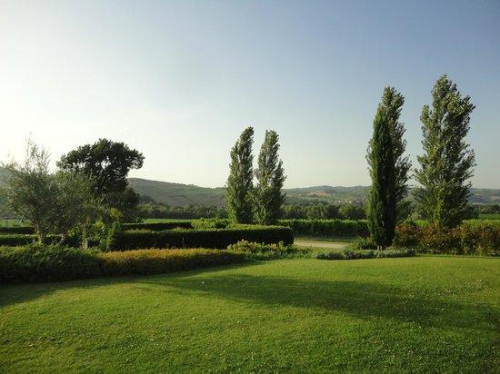 Urbino Resort - Tenuta Santi Giacomo e Filippo: Passeggiando per il resort