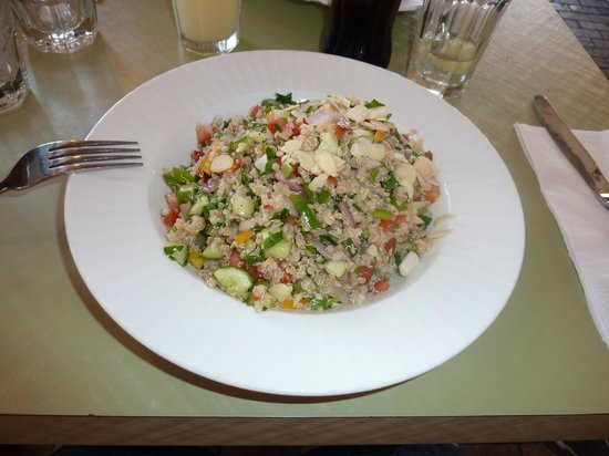 Hakovshim Bistro: The lovely fresh quinoa salad!