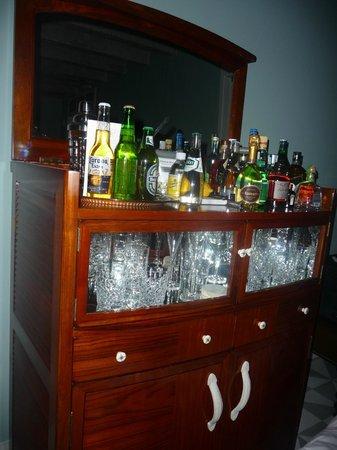 Soho Beach House: Bar de la habitación