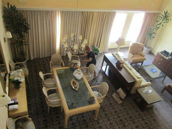Hyatt Regency Coral Gables : The downstairs Living room