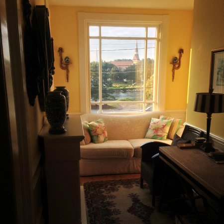 Mahone Bay Bed and Breakfast: View from 1st floor landing