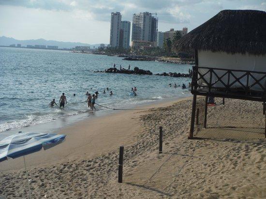 Sunset Plaza Beach Resort & Spa: The beach