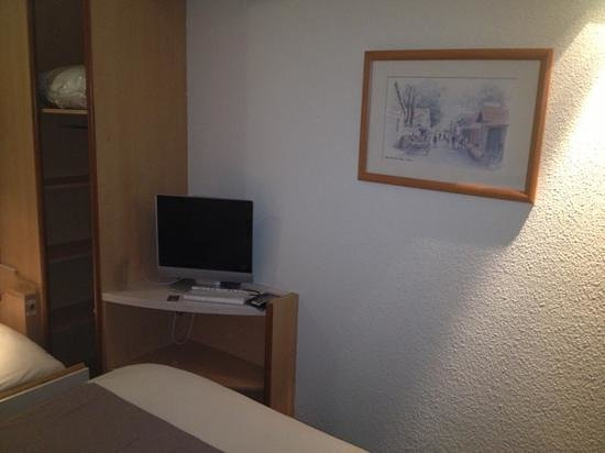 Ibis Roissy CDG Paris Nord 2: tv