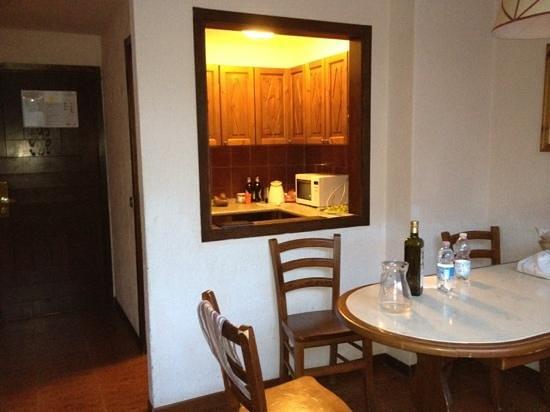 cameretta con cabina armadio - Foto di Planibel Residence - TH ...