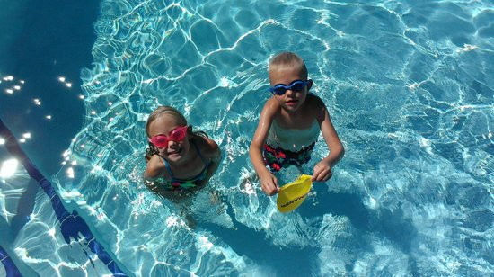Westwood Shores Waterfront Resort: Who doesn't love the pool?