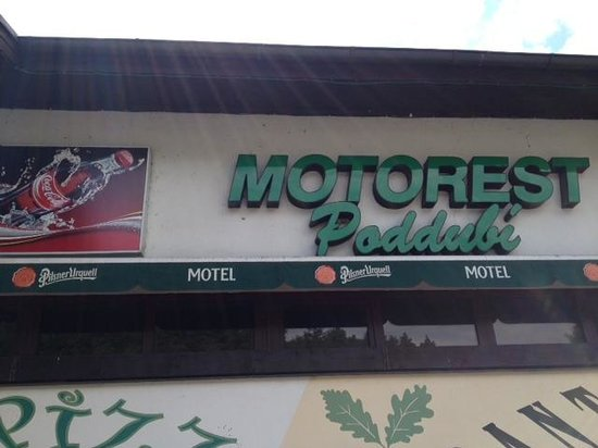 Motel Poddubi: fachada