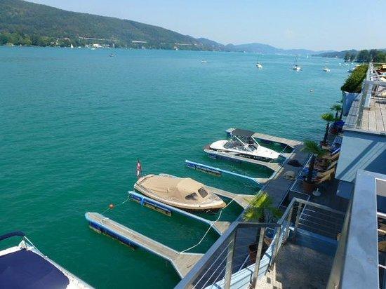 Hotel Park's: Landungssteg der Boote und auch Einstieg ins Wasser