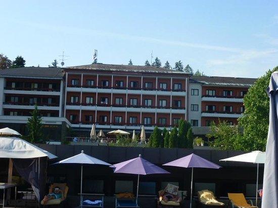 Hotel Park's: Blick vom Beachclub zum Hotel