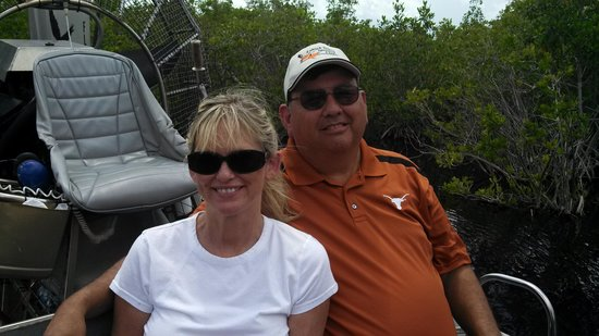 Jungle Erv's Everglades Airboat Tours: Florida Everglades at Jungle Ervs, looking at alligators!