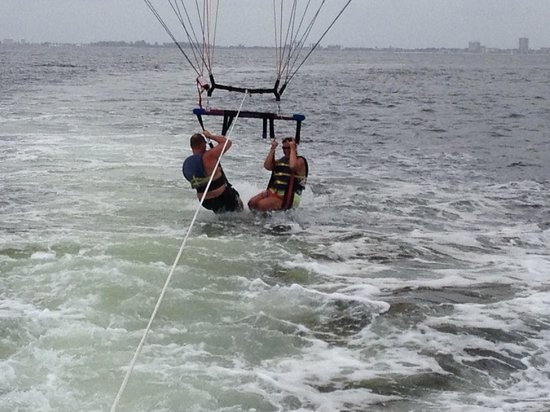 Siesta Key Marina : These guys are awesome! Had a great time parasailing!